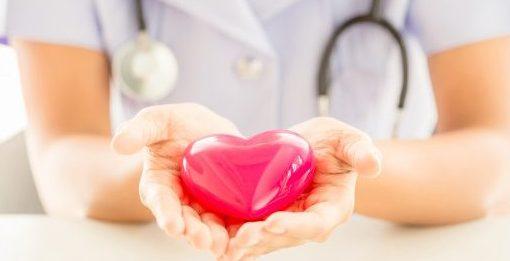 enfermeira simboliza o direito à saúde
